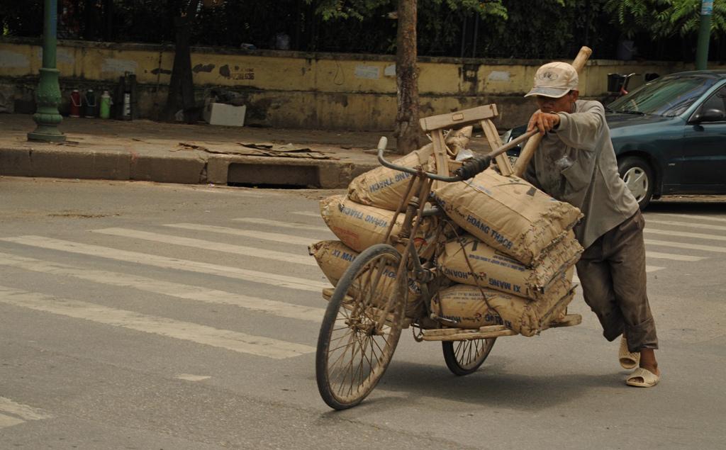 emilio-labrador-Ho-Chi-Minh-Trail-Method